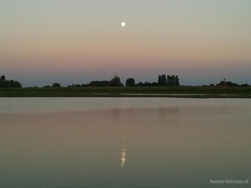 volle maan Nederrijn Cursus bewuste natuurbeleving